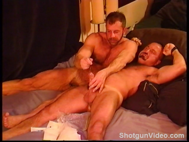 Porno Video of Bears Sounding, Muscles And Big Cock.