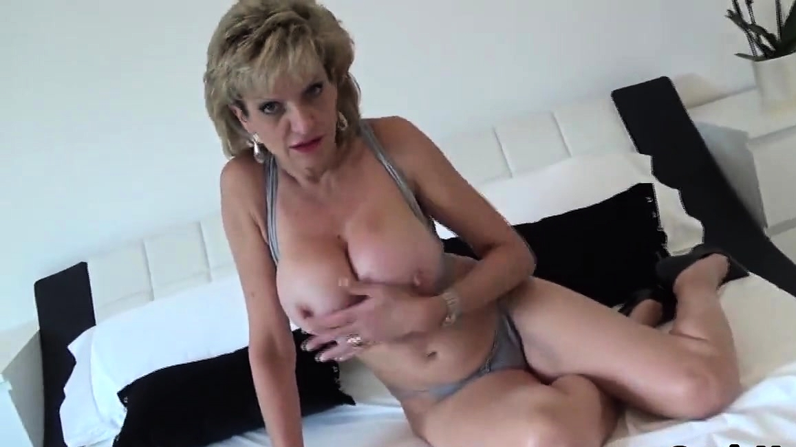 Unfaithful English Milf Lady Sonia Reveals Her Huge Tits7