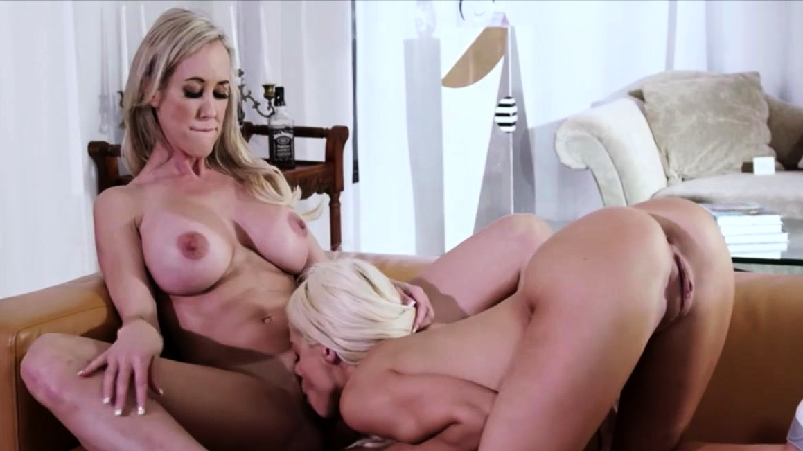 Little Blonde Lesbian Against Milf Amazon Pussy Licking