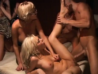 Порно зрелых немецких бисексуалок
