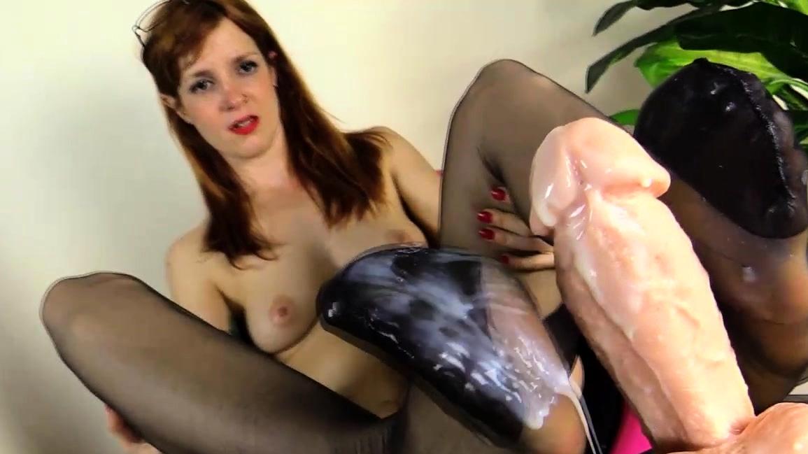Slut In Nylons Masturbate Dildo With Feet