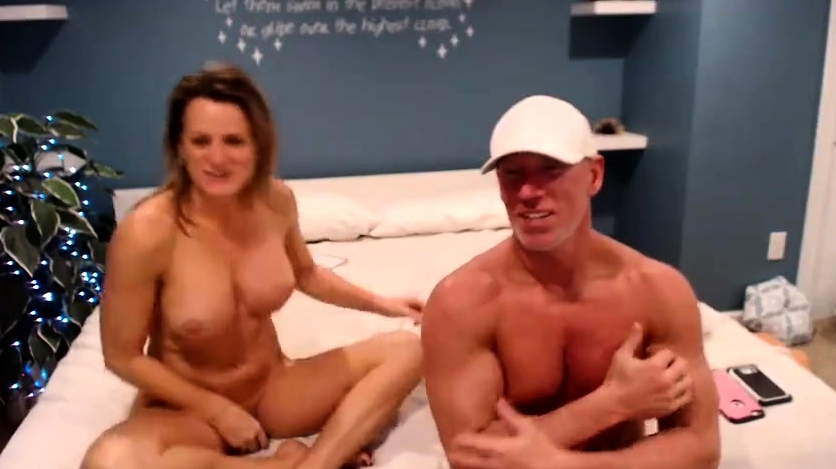 Sexy Old Big Boob Milf S Sucking Each Others Tits