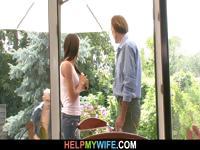 Молодая жена cucks в даче