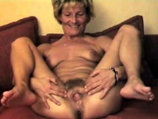 Старые женщины с волосатыми пиздами ебутся