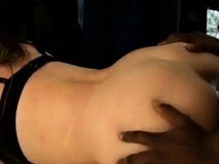 Смотреть порно негры ебут огромными хуями