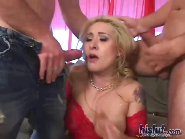 Porno Video of Rebecca Is A True Slut