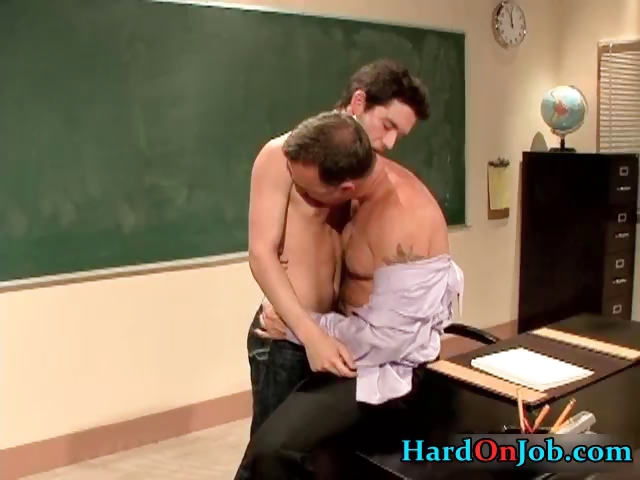 Porn Tube of Hardcore Gay Porn At The Office Free Gay Part4