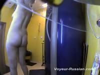 Русский раздевалка вуайерист скрытая камера