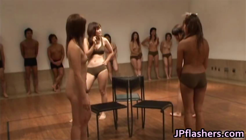 Porno Video of Super Hot Japanese Girls Flashing Part4