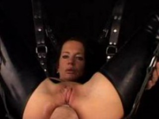 Mature wife in bondage hardcore anal and pussy fisting