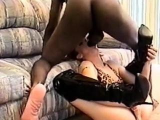 Порно видео бесплатно трахнул жену друга