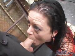 Порно-видео сосет член и лижет анус