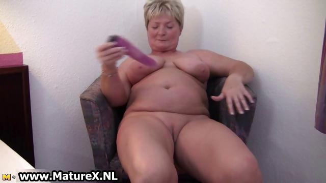 Porno Video of Dirty Mature Housewife Spreads Part2