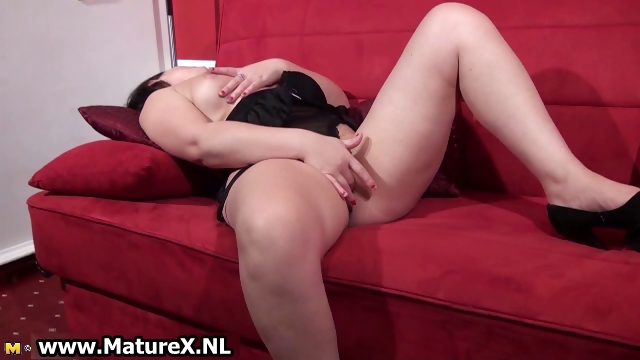 Porno Video of Mature Brunette Housewife Touching Part4