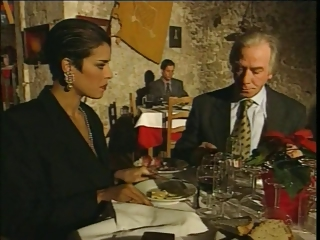 Porno Video of Elegant Italian Mature Cheating Husband On Restaurant