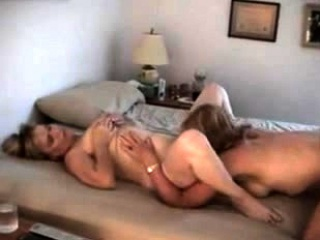 Секс жена изменяет мужу сантехник