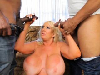 Порно большие сиськи сайт ебалово смотреть порно