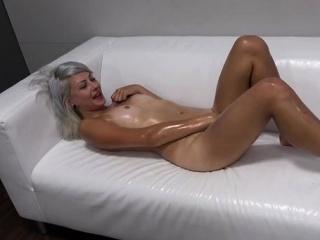 Секс зрелых аппетитных в чулках