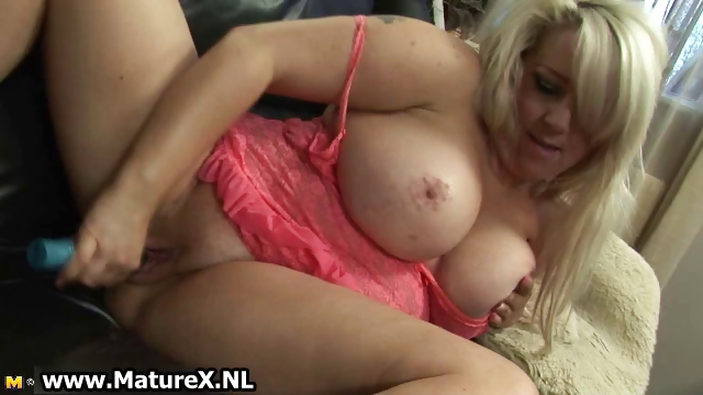 Porno Video of Bbw Mature Mom Loves Masturbating Part4