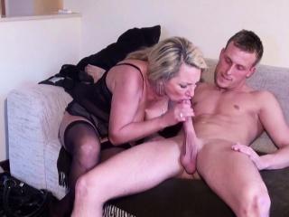 Домашнее порно немецкой блондинки