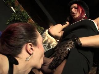 Лесби большие сиськи порно ролики