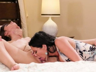 Xvideos сом мачеха и падчерица лесбиянки секс смотреть порно