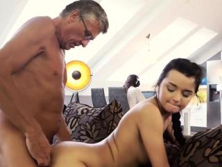 Толстые голые бабы бесплатное порно