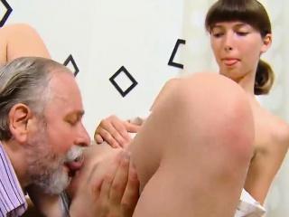 Медсестра трахают русская версия смотреть порно