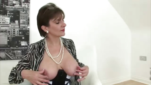 Porno Video of Stockings Mature Lady Sonia In Hot Lingerie