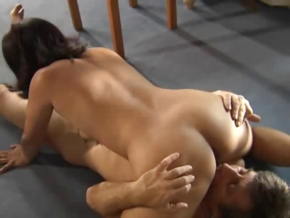 Sex Movie of Asian Milf Housewife Get Fucked In Amazing Threesome