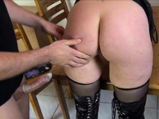 Порно смотреть жена позвала подругу смотреть порно