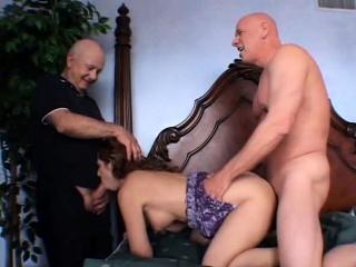 Порно муж изменяет жена застала