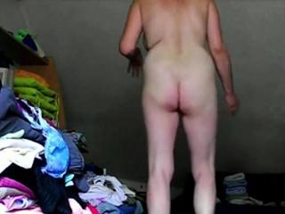 Парень жестоко трахает усыпил разрезали одежду