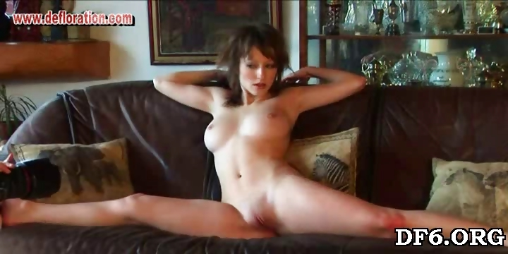 Porn Tube of Virgin Pussy Worshipping
