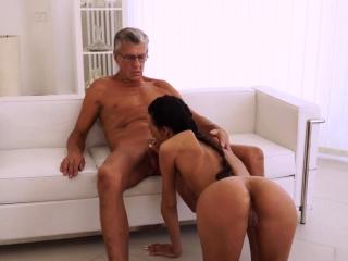 Молодые русские девушки домашнее порно анал смотреть порно