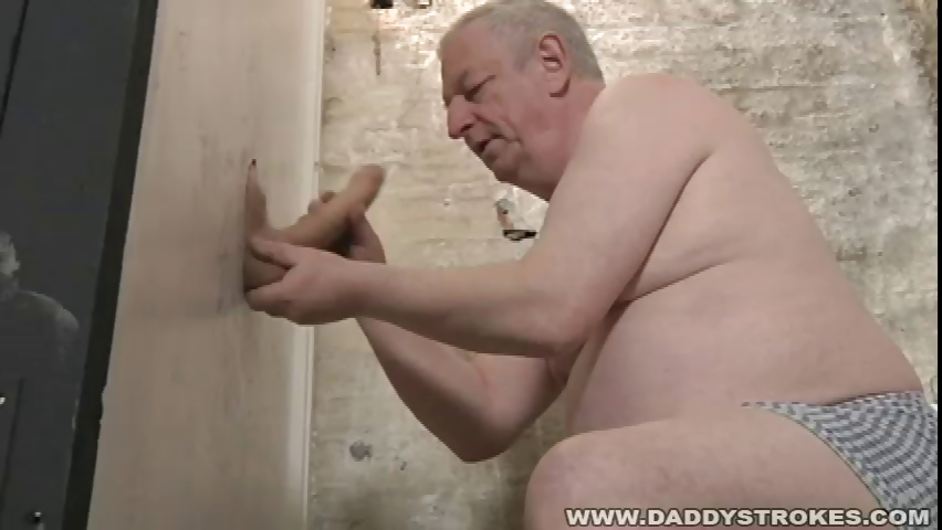 Porno Video of Gloryhole Cock Sucking