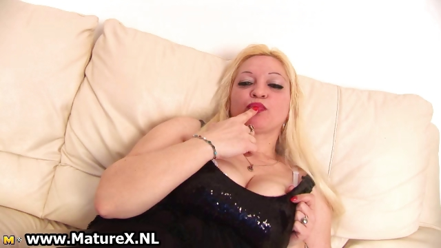 Porno Video of Blond Busty Mom Rubs Her Big Part5