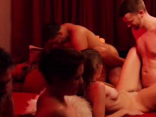 Полнометражные порно фильмы жены свингеров