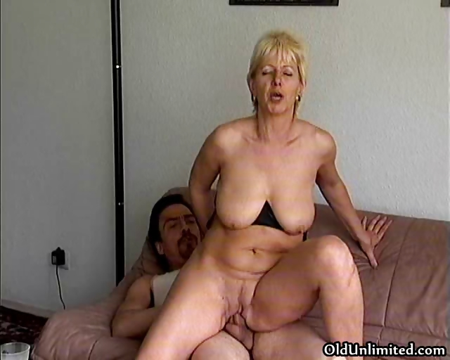 Porno Video of Amateur Blonde Mature Mom Loves Riding Part4