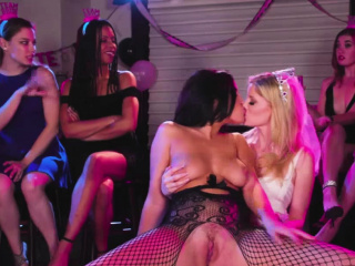 Видео секс лесбиянки инцест насильно