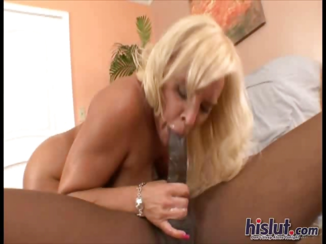 Porno Video of Alexis Rides On This Cock