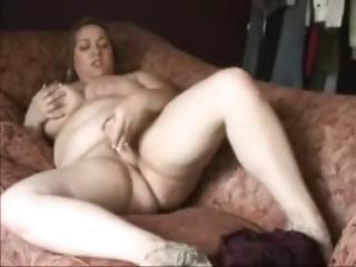 Высокая девушка трахает парня страпоном смотреть порно онлайн