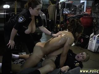 Жена изменила в машине порно видео
