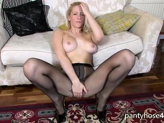 Секс в колготках с большими сиськами