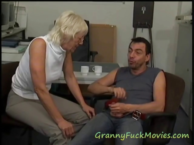 Porno Video of Watch Hot Granny Porn