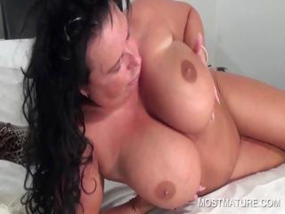 Голые жены раздвигают ноги смотреть порно онлайн