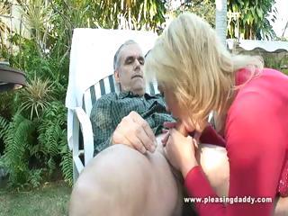 Трое на одну пизду жена олигарха смотреть порно
