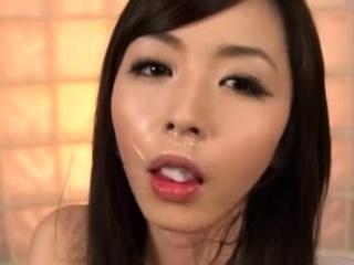 Из волосатой пизды течет сперма эротика видео