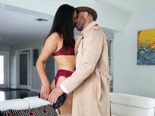 Секс со зрелой красивой японской женщиной