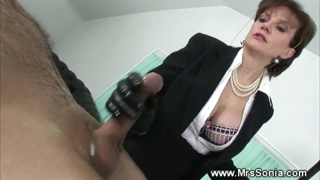 Porno Video of Prodomme Cumming Punishment
